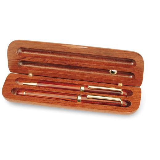 Set din lemn de cires