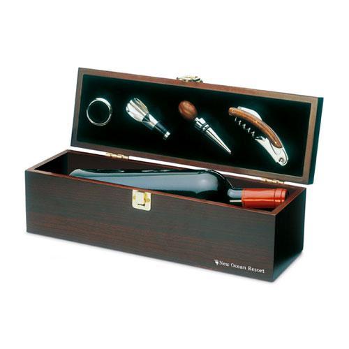 Cutie de lemn cu accesorii